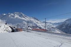 MGB - Station Nätschen Oberalp (Kecko) Tags: 2017 kecko switzerland swiss schweiz suisse svizzera innerschweiz zentralschweiz uri nätschen oberalp pass oberalppass matterhorngotthardbahn railway railroad mgb eisenbahn bahn bahnhof station winter snow schnee swissphoto geotagged geo:lat=46642280 geo:lon=8611030