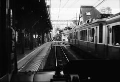 untitled by Osamu Sakaguchi - 2017年8月15日 江ノ電車窓より F4 NIKKOR50mm/1.4 FOMAPAN100