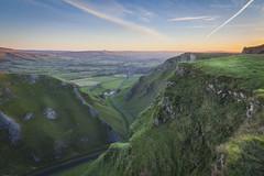 Winnats Sunrise (marc_leach) Tags: winnatspass hopevalley castleton peakdistrict nationalpark sunrise canon manfrotto055xprob tokina1116mm
