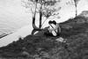 Momentos (maricarmencorreas) Tags: gente lago árbol pareja