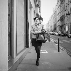Parisienne (mouzhik) Tags: parisienne parisian pariserin parisina parisiense parigina парижанка мужик moujik mouzhik muzhik zemzem mujik paris parís 파리 париж 巴黎 парыж פריז pariisi パリpárizs parîs باريس parys parizo парис paryż παρίσι پاریس parijs rue strase street caille strada yлица rua ulica noiretblanc nb schwarzweis monochrom blackandwhite bw monochrome blancoynegro blanconegro biancoenero bianconero m2 eosm2 22mm canonefm22mmf2stm prime pancake 1320sf20iso640 style élégance classe frenchstyle classy efm22mmf2stm