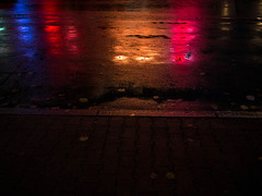 20171110-011 (sulamith.sallmann) Tags: weg abends background berlin bunt colorful deutschland germany hintergrund mitte nacht nachtaufnahme nachts nass night nightshot oberfläche reflektion reflexion road soldinerkiez spiegelung strase street surface way wedding deu sulamithsallmann