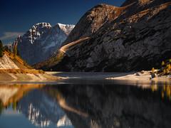 Passo Fedaia - autumn in the mountains (Ostseeleuchte) Tags: herbstindenbergen dolomiten alpen dolomites alps passofedaia provinzbelluno stauseelagofedaia holidaymemories
