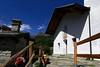 Val d'Aosta - Valle di Champdepraz, verso il lago della Servaz: la chiesina di la Veulla (mariagraziaschiapparelli) Tags: valdaosta valledichampdepraz parcodelmontavic montavic lagodellaservaz montagna mountain avic camminata escursionismo allegrisinasceosidiventa estate lago