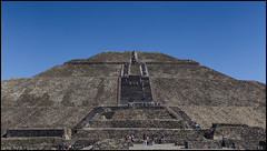 _SG_2017_11_0163_IMG_1690 (_SG_) Tags: mexiko mexico urlaub holiday roundtrip rundfahrt méxico méjico vereinigte mexikanische staaten spain spanish flag united mexican states estados unidos mexicanos teotihuacan nahuatl pronunciation view avenue defrom pyramid moon ancient temple aztecs