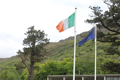 IMG_3223 (avsfan1321) Tags: kylemoreabbey ireland countygalway connemara green flag irishflag