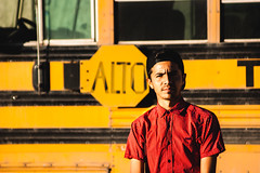 Maclobyn Alto! (SeñorNT) Tags: mc alto bus old oxide youngmen men shades day sunlight details window schoolbus