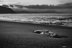 Gorrondatxe (jdelrivero) Tags: gorrondatxe mar geologia sunset colores blancoynegro rocas costa elementos olas provincia atardecer bizkaia playa bn bw blackandwhite geology beach elements puestadesol sea guecho euskadi españa es