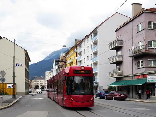 067 - 17-09-09 Innsbruck Rudolf Greinz Str Tw 320