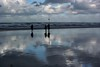 Cause the burning sky keeps burning bright (Livesurfcams) Tags: sky devon bluesy reflection paddle kayaksea atlantic nikon1v3 westward ho kayak
