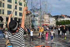 Copenhagen, soap bubbles in Amagertorv (Valerio_D) Tags: københavn copenaghen copenhagen danmark danimarca denmark 2017estate 1001nights 1001nightsmagiccity