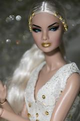 Golden Girl (firrist) Tags: erin integritytoys fashionroyalty nuface nufantasy erins 24k dollmodel 12doll wclub convention conventiondoll fashionfairytale dollsfashionistas integritydolls jasonwu