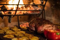 """#InspiracionBdF37 """"Manjares"""" (afranzoia) Tags: meat barbecue asado carne fuego inspiracionbdf37 fire potatoes papas"""