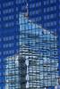 Reflets bleus. La Défense, Paris (jjcordier) Tags: bâtiment reflet immeuble ladéfense paris bleu gratteciel architecture graphisme
