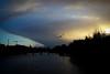 Matin d'hiver, en allant au boulot (Calinore) Tags: paris france city ville sky ciel morning matin pontducarrousel light lumiere silhouette cloud leverdesoleil sunrise crane bird oiseau seagul mouette