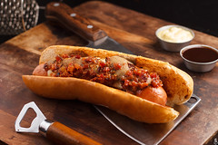 Malz Craft Burger & Beer (Daniel Ares / Instagram: @aresph) Tags: burger hamburger craft beer bar restaurante gastronomic gastronomy food photography comida foto hot dog hotdog chef canon 50mm lighting photoshop professional production riodejaneiro foodphotography foodporn fastfood cutello knife bbq barbecue fries cheddar bacon