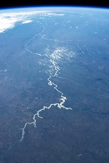 The impressively long Missouri river stretching from North Dakota to Missouri!