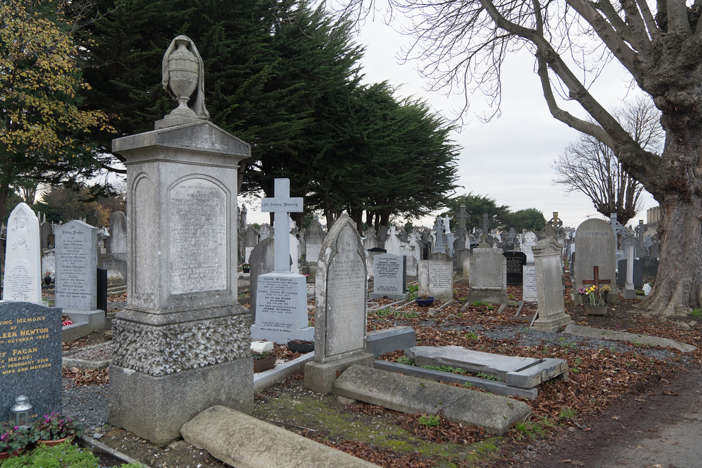 MOUNT JEROME CEMETERY IS AN INTERESTING PLACE TO VISIT [IT CLOSES AT 4PM]-134332