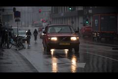 Pleurisweer.... (Chris 1971) Tags: amsterdam ggnn37 1993 volvo 240 polar stationwagon rain regen drizzle rainy wet