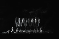 Smoking glasses (Vassallo Salvatore) Tags: brindisi ghiaccio ice neve snow inverno winter natale marrychristmas christmas feste party serata afternoon night spumante champagne water acqua
