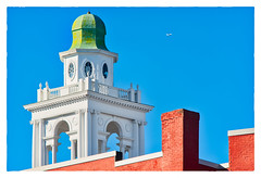 Leaving on a Jet Plane (Timothy Valentine) Tags: fbpost 2017 airplane large rooftop 1117 cupola r spire hrsw plymouth massachusetts unitedstates us