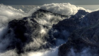 Monatañas y Nubes / Mountains and Clouds