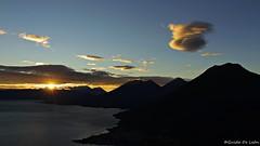 el sol, los gigantes y el lago (Guido De León) Tags: guatemala visitguatemala guatemalaimpresionante guatedepostal