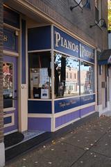 Pianos For People (pasa47) Tags: stlouis stl stlouiscity cityofstlouis southside southstlouis southcity 2017 november fall autumn fujifilm fujixe1 mo missouri