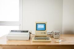 Macintosh Plus (Born_In_6502) Tags: retro retrocomputing retrocomputers oldcomputers vintagecomputers vintagecomputing beautyshots podstawczynski adampodstawczynski