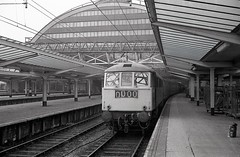 Manchester Piccadilly (Deadman's Handle) Tags: class86 class862 manchesterpiccadilly electric electriclocomotives electriclocos electricloco electriclocomotive electrictrains blackandwhite monochrome manchester