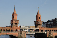 Berlin (Caró) Tags: berlin berlim berlinbrandenburg spree river eastside germany alemanha deutschland europa europe euro outdoors outdoor verão verano summer daylight