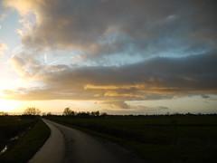 December afternoon (achatphoenix) Tags: rheiderland ostfriesland roadtrip rural december dezember sunset sun eastfrisia dollart dollard dollartbay gegenlicht sky clouds nuages ciel cielo wolken sonnenuntergang inexplore