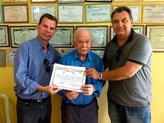 Entrega-de-votos-de-louvor-para-sr-José-Gomes-pelos-34-anos-como-presidente-da-Associação