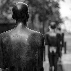 Sculpture in Oslo (K.Pihl) Tags: norway autumn sculpture oslo canon50mmf18 film analog canoneos500nneweoskisseosrebelg