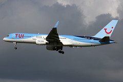 G-OOBN_LGW_08.10.17 (G.Perkin) Tags: london gatwick international airport uk united kingdom aircraft aviation airplane plane spotting canon eos graham perkin photography airfield airstrip aerodrome fly flight flying arrival landing final approach land