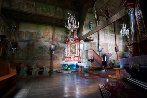 Dekoracja malarska północnej ściany we wnętrzu kościoła w Bliznem