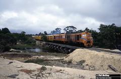 2897 XA1412 XA1403 Carlecatup 2 April 1982 (RailWA) Tags: railwa philmelling westrail 1982 xa1412 xa1403 carlecatup