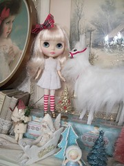 Divinity in white...... (simplychictiques) Tags: darlingdivablythedoll limitededition white blytheinwhite holiday christmas decorations vintage christmas2017 fifthanniversaryblythe doll toy nrfb takaratomy mattedface hobby collections spokanewashington dollphotography dddarlingdiva divinity