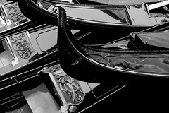 one above the other (Blende1.8) Tags: gondola gondolas venetian venezianisch boot boote boat boats venice venezia venedig detail details embellishment ornament mono monochrome monochrom black white schwarzweiss italy italien italia carstenheyer travel