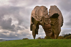 The thing (PentlandPirate of the North) Tags: alien thing ysp yorkshiresculpturepark brettonhall ~flickrinnes flickrinnes