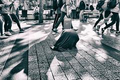 The humble one (johann walter bantz) Tags: people streetphotagraphy street 23mm xpro2 fujifilm monochrome paris champsélysée