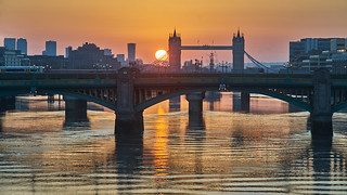 Dragon Pearl Greets Tower Bridge