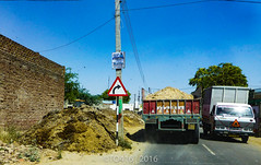 SML Truck (Malwa Bus Archive) Tags: 2016 india punjab travel transport traffic trucking swaraj sml sivian pind village bathinda studio1937 malwabusarchive picture