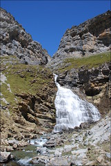 Cola de Caballo (Ordesa, Aragón, España, 22-4-2017) (Juanje Orío) Tags: 2017 provinciadehuesca españa aragón espagne espanha espanya spain nature naturaleza cascada catarata waterfall montaña parquenatural agua water europa europeanunion