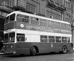 Era uma vez em Portugal... (© Portimagem) Tags: portugal patrimónionacional historia transportes autocarro viagem bus stcp porto autocarrodedoispisos