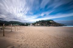 Pobeña - Playa de la Arena (noldor12) Tags: pobeña playadelaarena ríobarbadún itsaslur muskiz bizkaia paísvasco spain pasarela playa beach canoneos6d canonef1635f4lisusm marcantábrico