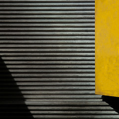 metro #2 (caeciliametella) Tags: lorrainekerr photography 2017 metro tyneandwear bin shadow ombra abstract astratto urban urbano train treno caeciliametella square quadrato 11 concrete lines linee giallo newcastleupontyne stjames