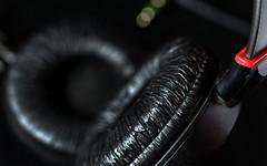 Macro Mondays - Stone Rhyming Zone - Headphone (DeZ - light painter) Tags: macromondays macro hdr headphone nikon nikond610 tamron90mmf28 bokeh dez