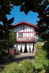 BASTIDE CLAIRENCE-122 (MMARCZYK) Tags: rouge pays basque france nouvelleaquitaine pyrénéesatlantiques bastideclairence 64 architecture vernaculaire colombage bastide navarre