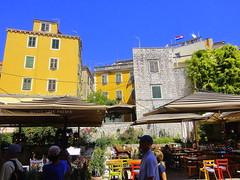 summer vibe (Bambola 2012) Tags: dalmatia dalmacija dalmazia hrvatska croatia croazia šibenik square piazza trg summer ljeto estate